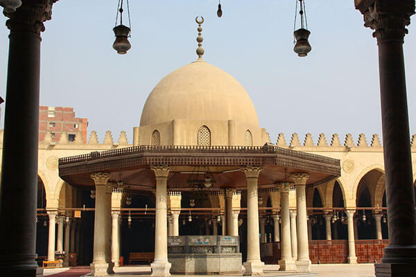 جامع عمرو بن العاص بالقاهرة ثاني أقدم المساجد العريقة في مصر