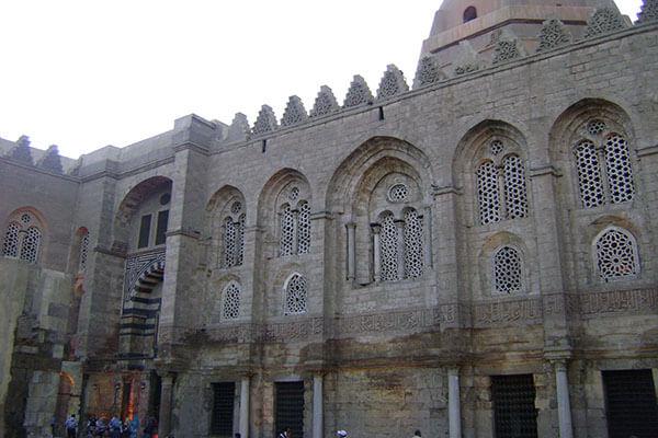 زيارة سريعة إلى مسجد ومدرسة السلطان قلاوون بالقاهرة